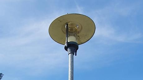 Für gemeindlichen Einrichtungen, wie zum Beispiel auch die Straßenbeleuchtung, bezieht die Gemeinde Ebershausen ab dem 1. Januar 2021 den benötigten Strom zu 100 Prozent aus regenerativen Energiequellen, in diesem Fall aus regionalen Wasserkraftwerken.