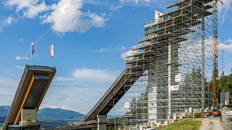 Für umfangreiche Umbau-, Sanierungs- und Erweiterungsarbeiten wurde von Gerüstbau Schäfer die Oberstdorfer Schattenbergschanze im vergangenen Jahr 2019 völlig eingerüstet.