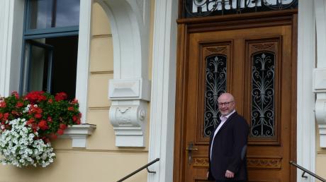 Ralf Wetzel ist hocherfreut, seit 1. Mai Bürgermeister der Marktgemeinde Ziemetshausen sein zu dürfen und fühlt sich wohl in der Rolle eines Gestalters.