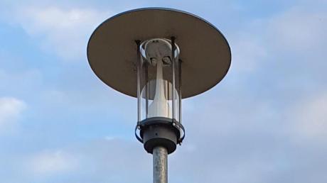 """Über die Versetzung einer Straßenlampe vor einem Grundstück in der Straße """"Ziegelstadel"""" diskutierte der Waltenhauser Gemeinderat."""