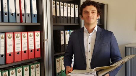 Der 28-jähirge Martin Schließler ist seit Mitte dieses Jahres für die Finanzen in Neuburg zuständig.