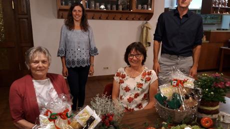 Verabschiedung beim Obst- und Gartenbauverein Waltenhausen: Unser Bild zeigt von links Sieglinde Weiß, 1. Vorsitzende Angelika Haider, Fanny Maier und Willi Höck.