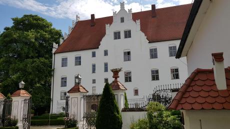 Adelssitz, Gefangenenlager, Zufluchtsort, Hochzeitslocation: Hinter den ehrwürdigen Mauern von Schloss Neuburg ranken sich viele Geschichten und Schicksale.