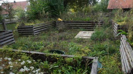 """Der einst preisgekrönte Schulgarten """"Arche Noah"""" in Deisenhausen würde dem Kindergartenneubau zum Opfer fallen. Das rief Bedenken für das Bauprojekt hervor. Sein derzeitiger Zustand zeigt deutlich, dass vom """"Zauber des Anfangs"""" nicht einmal mehr etwas zu erahnen ist."""