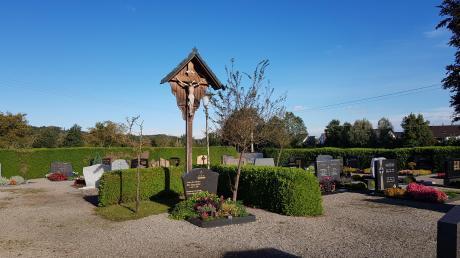 Der Friedhof in Langenhaslach soll gestalterisch aufgewertet werden. Geplant ist auch die Anlage von vorerst sechs bis acht Urnengräbern.