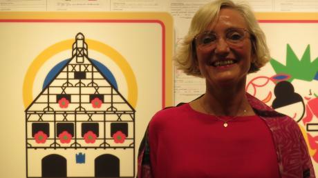 Wie sehen Krumbacher ihre Stadt? Es ist vor allem auch eine fröhliche Botschaft, die Künstlerin Doris Graf im Heimatmuseum vorstellte. Ein beliebtes Motiv ist immer wieder das alte Rathaus.