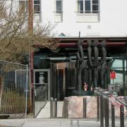 In der Kreisklinik in Krumbach werden aktuell drei Corona-Patienten auf der Intensivstation behandelt. Im Frühjahr fand die Behandlung von Covid-19-Fällen noch ausschließlich in der Klinik in Günzburg statt.