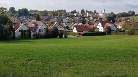 Ebershausen will die Gemeindeentwicklung mit einem nachhaltigen Konzept im Rahmen der ländlichen Entwicklung in Bayern voranbringen. Unser Bild zeigt die Haseltalgemeinde mit der dominierenden Kirche St. Martin.