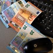 Eine 29-Jährige ist Opfer eines Betruges in Zusammenhang mit Online-Banking geworden.