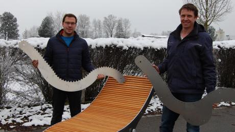 Tobias Hartmann (links) und Michael Reichhard wollen mit selbst entwickelten Produkten neue Akzente auf dem Gartenmöbelmarkt setzen.