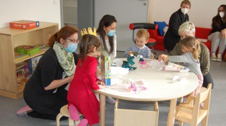 """Die ersten Kinder im """"Kinderhaus Löwenzahn"""" hatten viel Freude an ihrem ersten Tag in der neuen Einrichtung."""