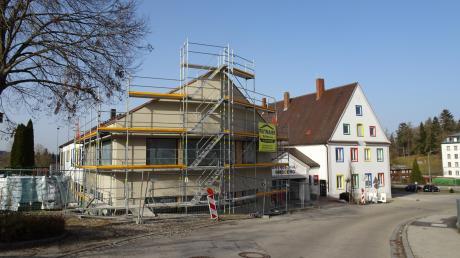 1,3 Millionen Euro investiert die Gemeinde Ursberg in die Erweiterung der Grundschule, die Barrierefreiheit im Gebäude und die Digitalisierung.