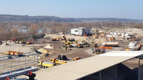 Auf dem bestehenden Werksgelände nordwestlich der Asphaltmischanlage an der Edelstetter Straße möchte die LS Bau AG ihren neuen Bauhof auf rund 21.000 Quadratmetern errichten.