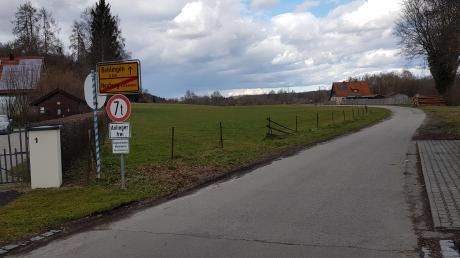 Am nördlichen Ortsausgang in Neuburg entlang des Kammeltal-Radweges in Richtung Behlingen soll ein Baugebiet entstehen. An anderer Stelle in der Marktgemeinde darf hingegen nicht gebaut werden.