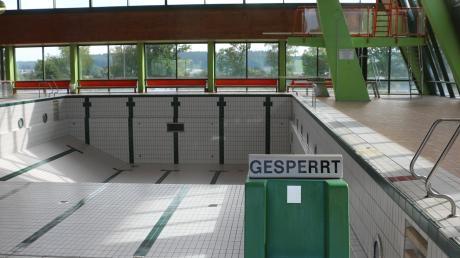 Die lang andauernde Debatte in Krumbach über die Zukunft des Sportzentrums (im Bild das Hallenbad) stößt im Neuburger Rat auf Unverständnis.