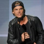 Avicii schart Chris Martin, Jon Bon Jovi und Wyclef Jean um sich