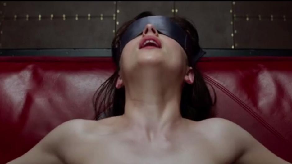 Trailer erotik Erotic: 1,420