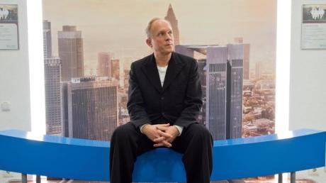 """Ulrich Tukur ist """"Tatort""""-Kommissar - dreht aber stets außergewöhnliche Folgen der Krimiserie."""