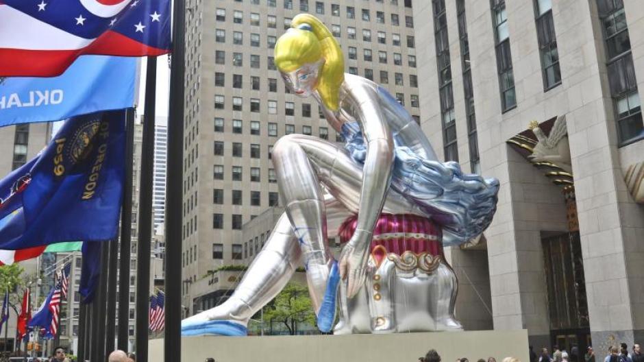 Überdimensional: Aufblasbare Ballerina von Jeff Koons in New