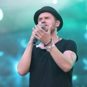 Sänger Johannes Oerding auf der Waldbühne in Berlin. Foto: Jörg Carstensen