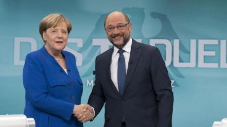Angela Merkel und Martin Schulz vor Beginn des TV-Duells in den Fernsehstudios in Adlershof.
