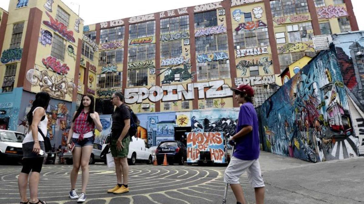 kunst am bau 6 7 millionen dollar schadenersatz f r graffiti kultur nachrichten augsburger. Black Bedroom Furniture Sets. Home Design Ideas