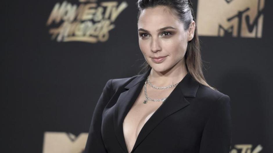 Eurovision Song Contest Gal Gadot Sagt Esc Moderation In Israel Ab Augsburger Allgemeine