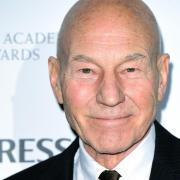 """""""Star Trek: Picard"""": Start heute am 24.1.2020 - Folgen, Schauspieler, Trailer. Patrick Stewart wird in """"Star Trek: Picard"""" wieder als Captain Jean-Luc Picard zu sehen sein."""