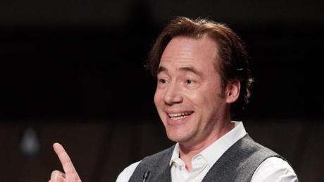 """Michael """"Bully"""" Herbig ist Gestgeber von """"LOL: Last One Laughing"""". Teilnehmer, Besetzung, Start und Übertragung - lesen Sie hier die Infos."""