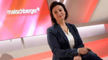 Sandra Maischberger muss sich wegen eines Auftritts von Rossmann-Gründer Dirk Roßmann Kritik gefallen lassen.