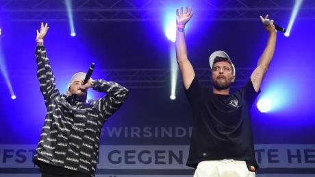 Die Rapper Casper (l) und Marteria in Chemnitz. Foto: Sebastian Kahnert