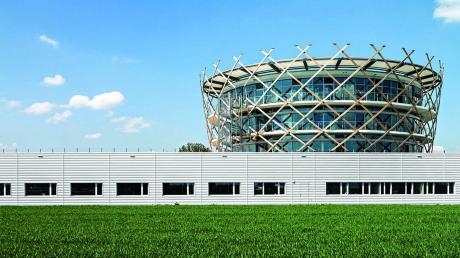 Ein markantes Firmengebäude konzipierte das Planungsbüro RSE Architekten für Deuter Sport in Gersthofen. <b>Foto: RSE Architekten, Kassel</b>