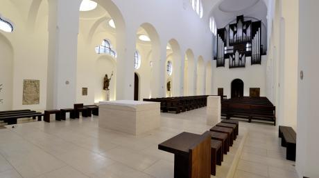 Vom Licht, das den Raum modelliert und die Besucher innerlich sammelt, ließ sich John Pawson bei der Gestaltung der Moritzkirche leiten.