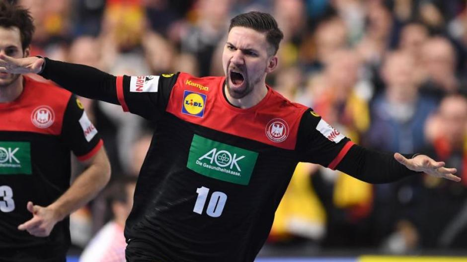 Fabian Wiede hebt ab. Er traf sechsmal gegen Kroatien. Foto: Marius Becker