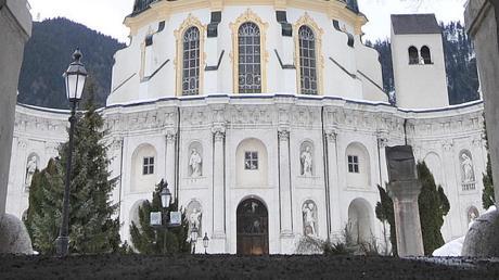 Bis heute wichtige Bildungsträger sind die Klöster in Bayern, hier die Abtei Ettal. In der Zeit der Aufklärung verlor ihr Bildungskanon an Wertschätzung.