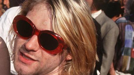 Kurt Cobain auf dem Weg zu einer Preisverleihung 1993.