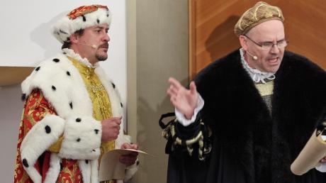 Höchstpersönlich traten beim Fuggerforum die beiden Großen ihrer Zeit auf: Kaiser Maximilian (Florian Fisch, links) und Jakob Fugger der Reiche (Heiko Dietz).