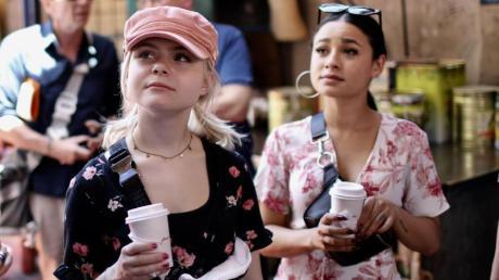 Die S!sters aus Deutschland in Israel: Carlotta Truman (links) und Laurita Spinelli besuchen den Karmelmarkt.