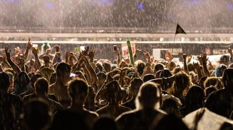 """Beim Rock im Park""""-Festival in Nürnberg sind zwei Security-Mitarbeiter verhaftet worden."""