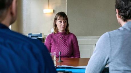 Anne Werner (Katharina-Marie Schubert) steht unter Verdacht, Pflegebedürftige auf dem Gewissen zu haben.
