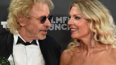 Thomas Gottschalk und seine Freundin Karina Mroß beim Filmfest München. Foto: Felix Hörhager
