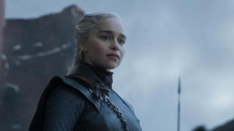 """""""Game of Thrones"""" hat viele Fans, die auf weitere Serien warten. Das Prequel """"The Long Night"""" (""""Bloodmoon"""") wurde eingestellt - dafür entsteht mit """"House of the Dragon"""" ein neues."""