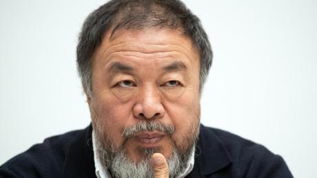 Ai Weiwei moniert, dass Deutschland eine geschlossene Gesellschaft sei - und zieht die Konsequenzen. Foto: Federico Gambarini