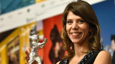 Für ihren Film «Systemsprenger» hat Nora Fingscheidt auf der Berlinale den Silbernen Bären (Alfred Bauer Preis) bekommen. Foto: Jens Kalaene