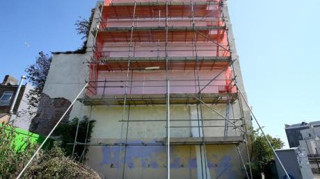 Banksys Werk wurde offenbar mit weißer Frabe übertüncht.