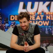 """Komiker Luke Mockridge läuft am 30.10.2020 mit seiner """"LUKE! Die Greatnightshow"""": Die Sonderausgabe heißt """"Halloween - Gamenight"""". Alle Infos in unserer Übersicht."""