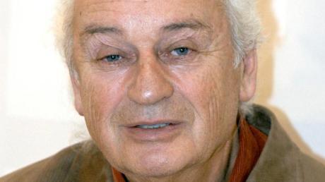 Der deutsche Schriftsteller Ernst Augustin ist tot. Foto: Uwe Zucchi/dpa