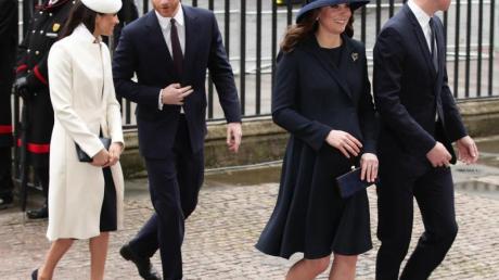 Die britischen Prinzen treffen bei einer Gala zum Gedenken an die Toten des Ersten Weltkriegs in der Londoner Royal Albert Hall aufeinander. Auch die Herzoginnen Kate und Meghan, Herzogin von Sussex, werden dabei sein. Foto: Yui Mok/PA Wire/dpa