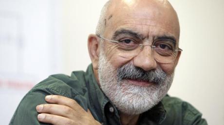 Der Journalist Ahmet Altan sitzt in der Türkei derzeit in Haft.