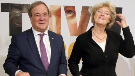 Armin Laschet (CDU, l-r), Ministerpräsident in Nordrhein-Westfalen, und die Kulturstaatsministerin Monika Grütters (CDU) stellen die Höhepunkt des Beethoven-Jahres 2020 vor.